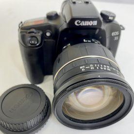 Canon EOS 33 con objetivo Tamron Aspherical 28-200mm
